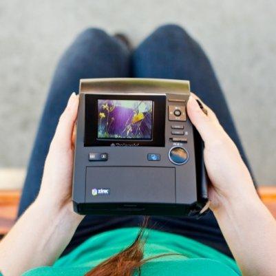 2,7 дюймовый экран плюс двойной режим через видоискатель и дисплей