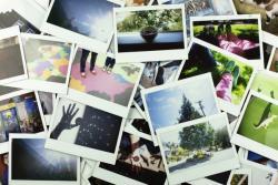 Красочные мгновенные отпечатки принесут много веселья на вашей стене / доске / событий